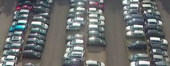 Parking à l'aéroport de Genève