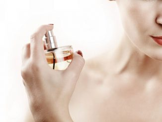 Mettre du parfum