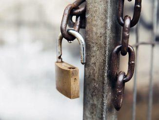 Cadenas à clé ouvert