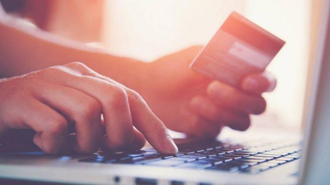 Clavier d'ordinateur portable et carte bancaire